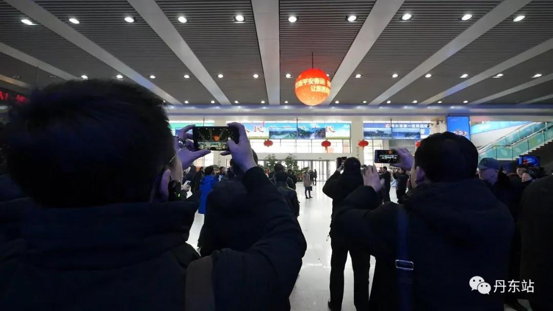 丹东火车站LED球